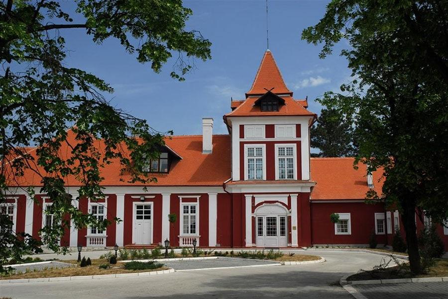 hotel-lovacki-dvorac-kastel-ecka-001